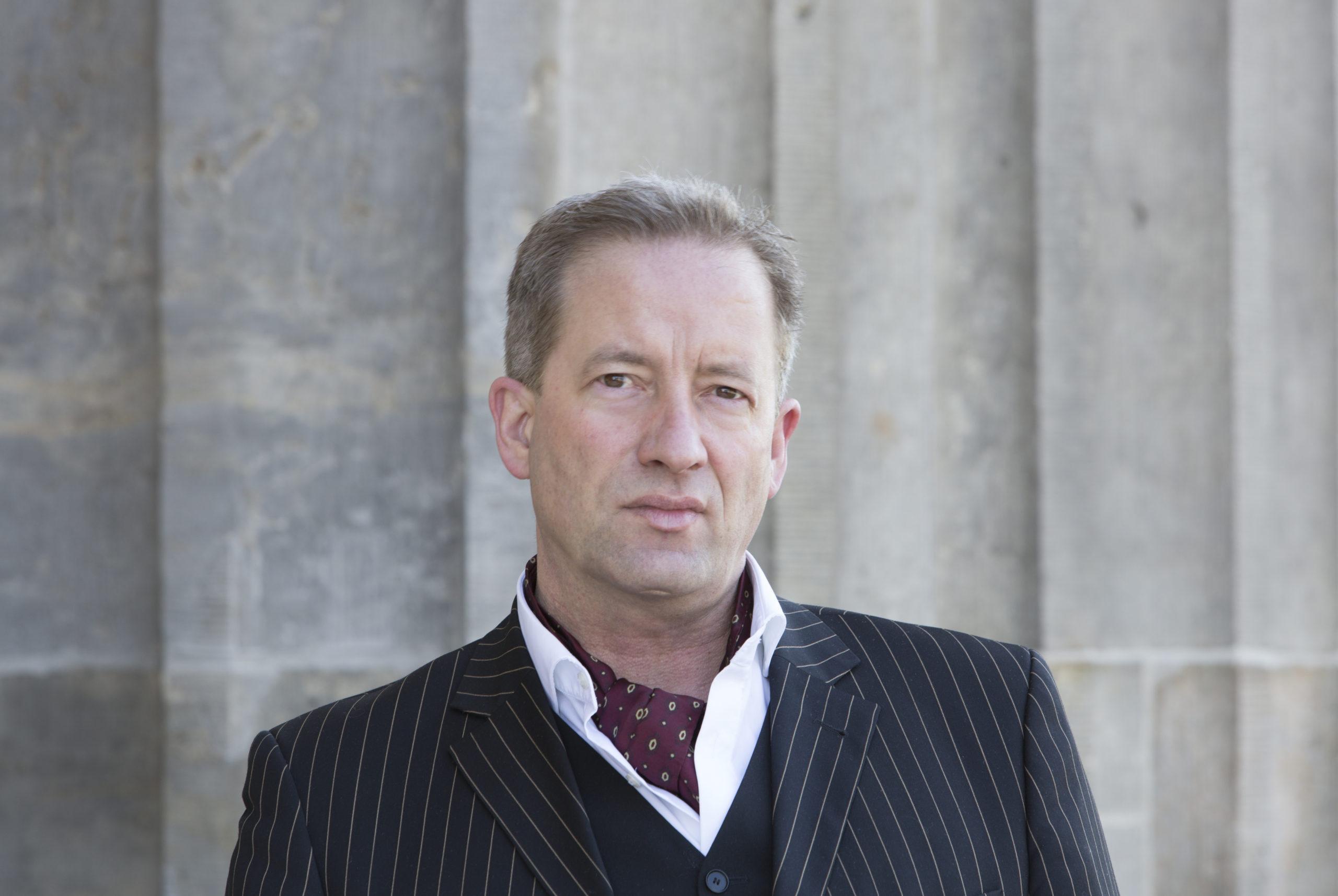 Dr. Benedikt Goebel